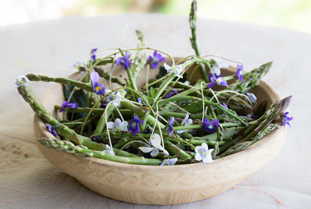 Warrie's Fresh Asparagus Salad